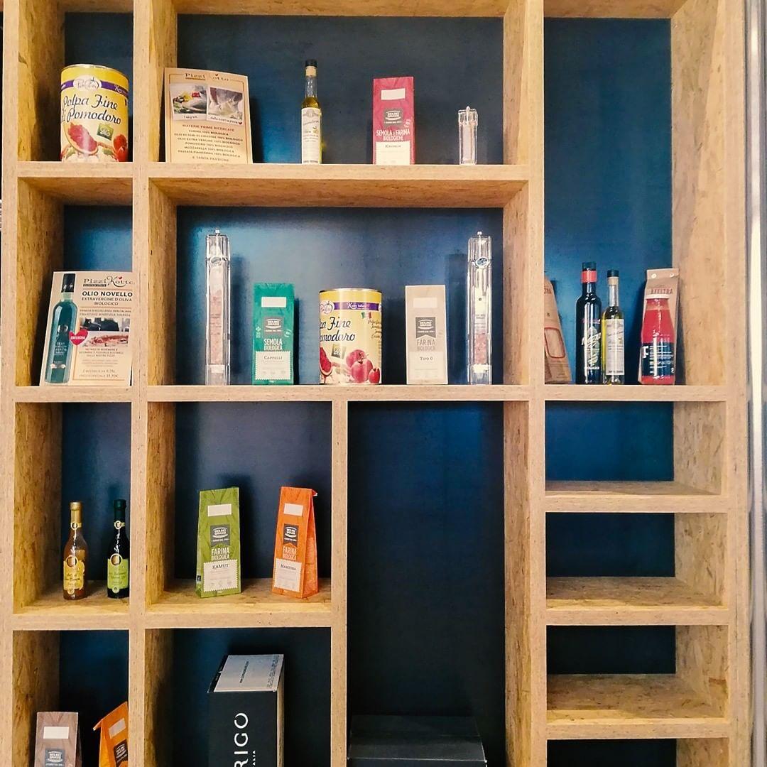 Vieni a scoprire i prodotti artigianali di alta qualità selezionati da Pizzikotto per i suoi  Vieni a scoprire i prodotti artigianali di alta qualità selezionati da Pizzikotto per i suoi piatti!
