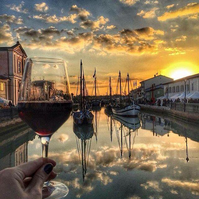 Un bicchiere di vino un tramonto ed un grande scenario for Il modo migliore per costruire una casa