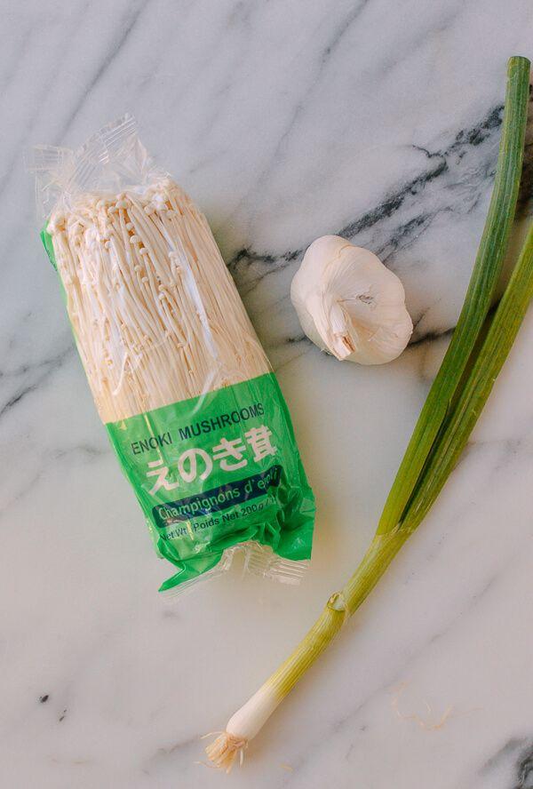 Enoki Mushrooms With Garlic Scallion Sauce Recipe Stuffed Mushrooms Enoki Mushroom Recipe Asian Vegetables