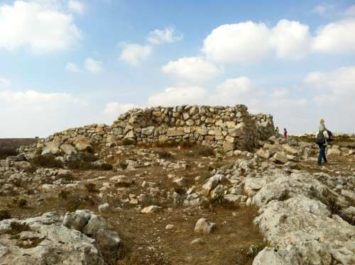 Field Of Joshua Of Beth Shemesh: The Altar Of Joshua On Har Eval