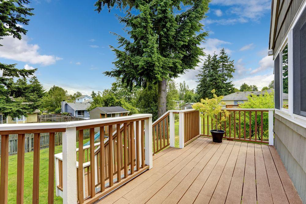 Different Types of Deck Railings | Deck railings, Deck ...