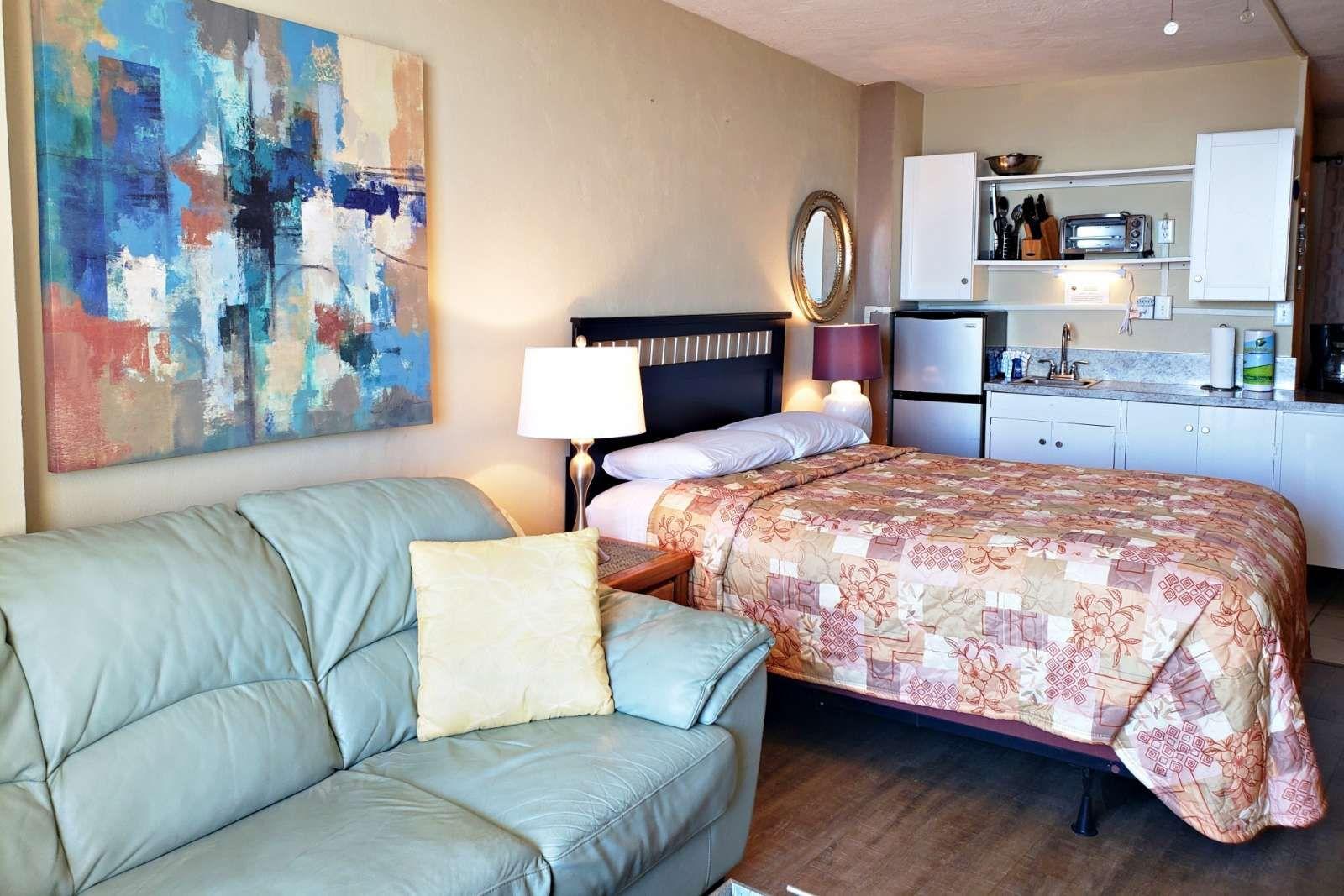 Daytona beach vacation rental couple getaway w private