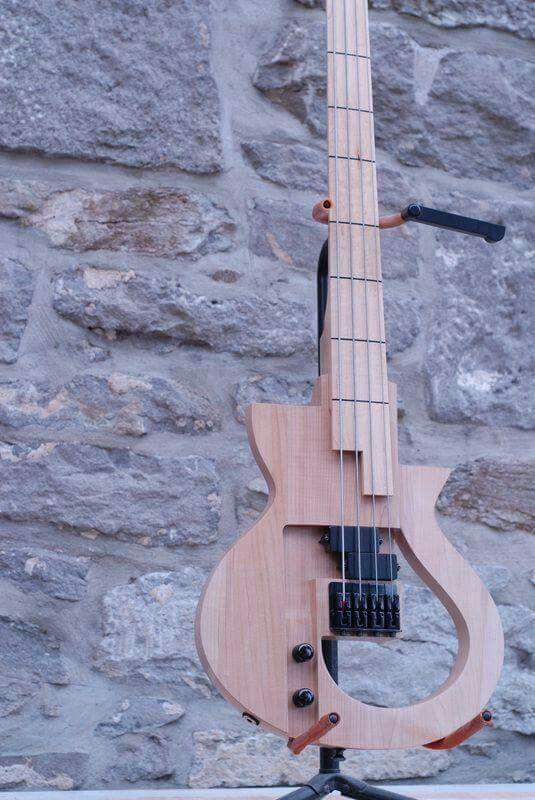 Cervelle Guitars