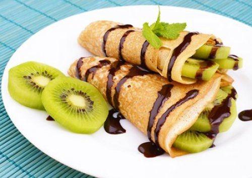 Receta de crepes de kiwi y chocolate recetas postres for Como cocinar crepes