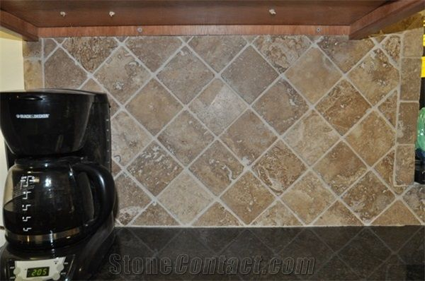 Tumbled Travertine Stone In Diamond Pattern Backsp Classic Beige Travertine Kitchen Design From United States Glass Backsplash Stainless Backsplash Backsplash
