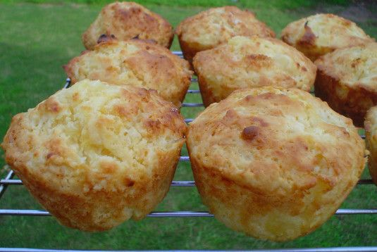 Pineapple And Sour Cream Muffins Recipe Food Com Recipe Sour Cream Muffins Breakfast Muffin Recipes Recipes