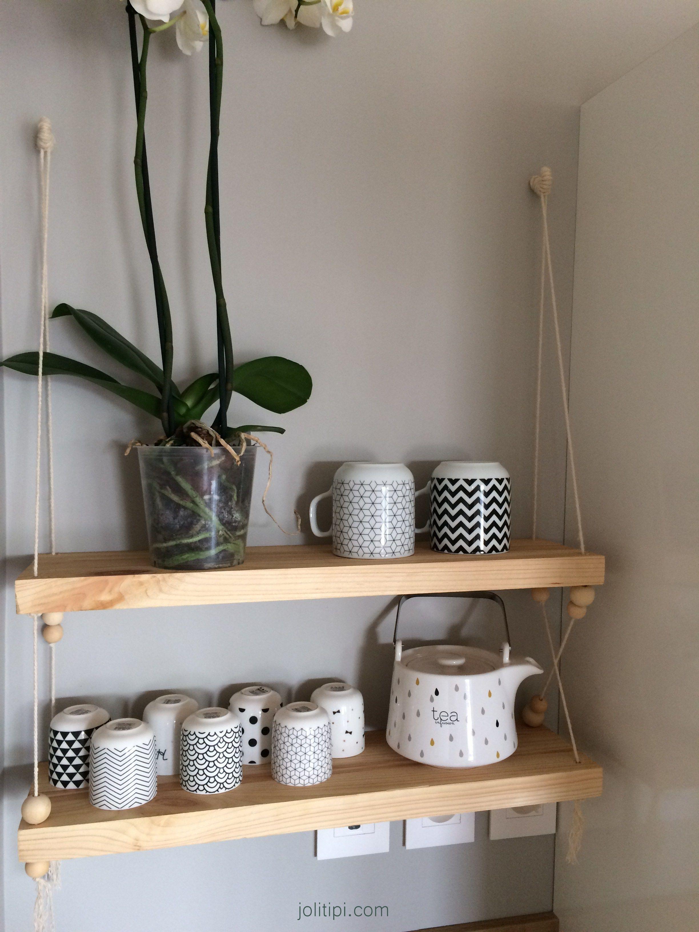 Étagère suspendue en bois, corde et perles : mon diy | creations