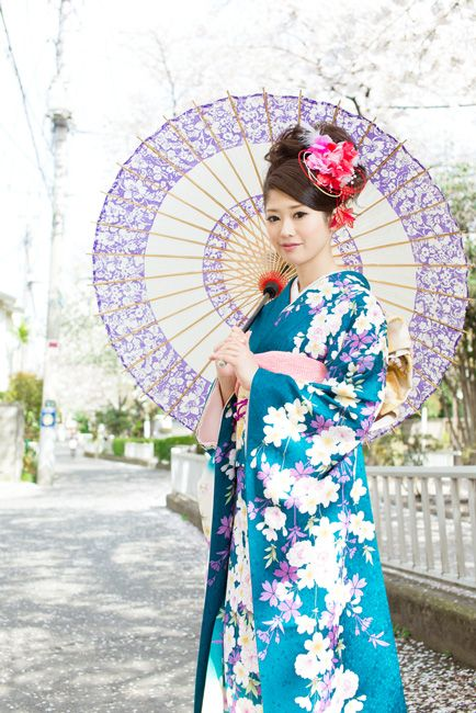Traditional clothing in japan kimono traditional costumes around the world pinterest Yes style japanese fashion