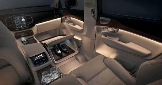 فولفو Xc90 ترتفع 13 6 لتسجل 1 25مليون جنيه ارتفع السعر الرسمي للسيارة فولفو Xc90 الفئة الأعلى 150 ألف جنيه لتصل إلى مل Volvo Xc90 Volvo Luxury Car Interior