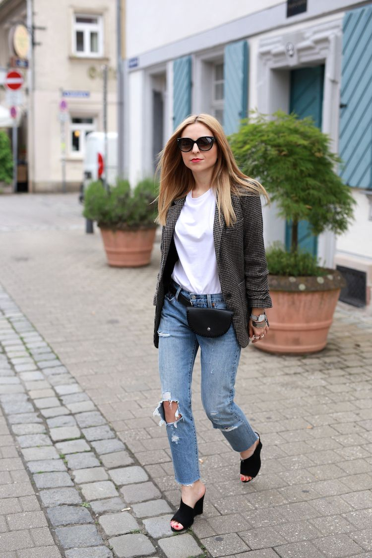 Outfits 2017 Casual City Look With A Belt Bag Fanny Pack Spring Fashion