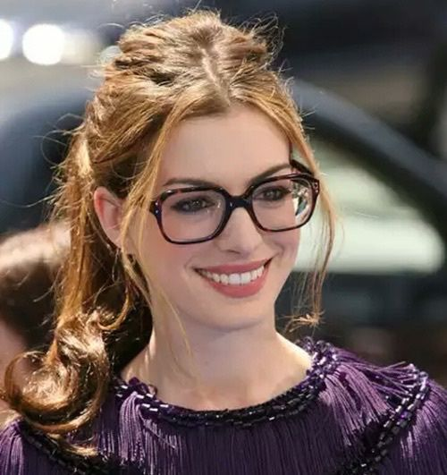 Anne Hathaway Eye Color: Imagem De Anne Hathaway, Glasses, And Actress