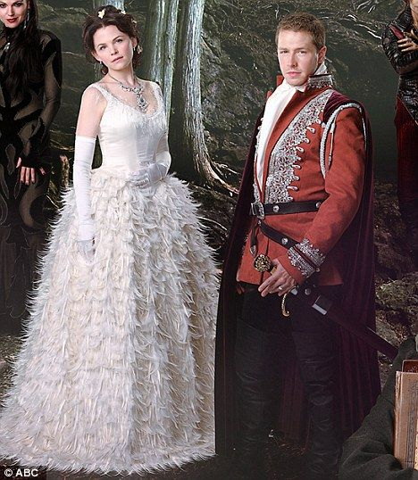 Once Upon A Time Co Stars Ginnifer Goodwin And Josh Dallas Enjoy