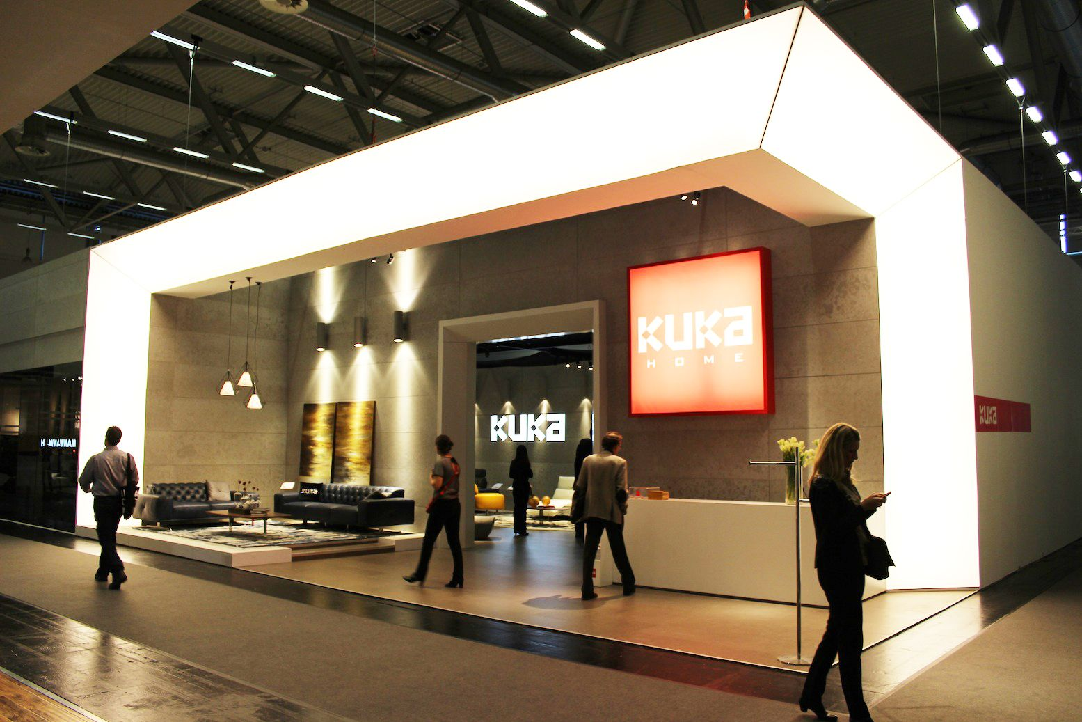 Kuka at imm cologne 2014 stands booths design for Arquitectura y diseno stands 8 pdf