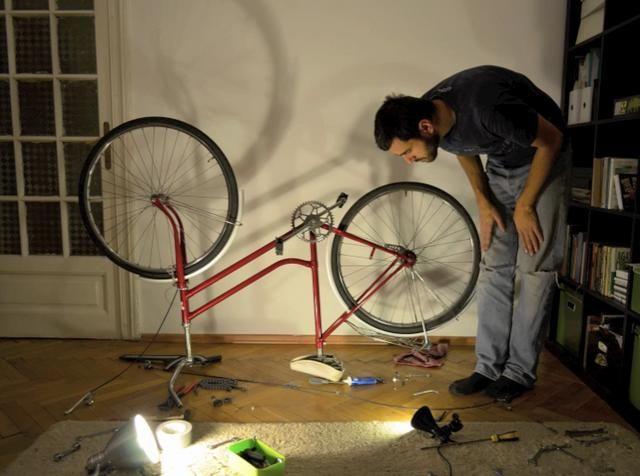 Racheta Roșie. Video by BițaColor. Atelierul de Vopsit biciclete