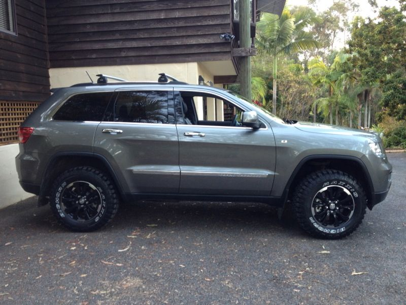 2011 Jeep Grand Cherokee Tire Size