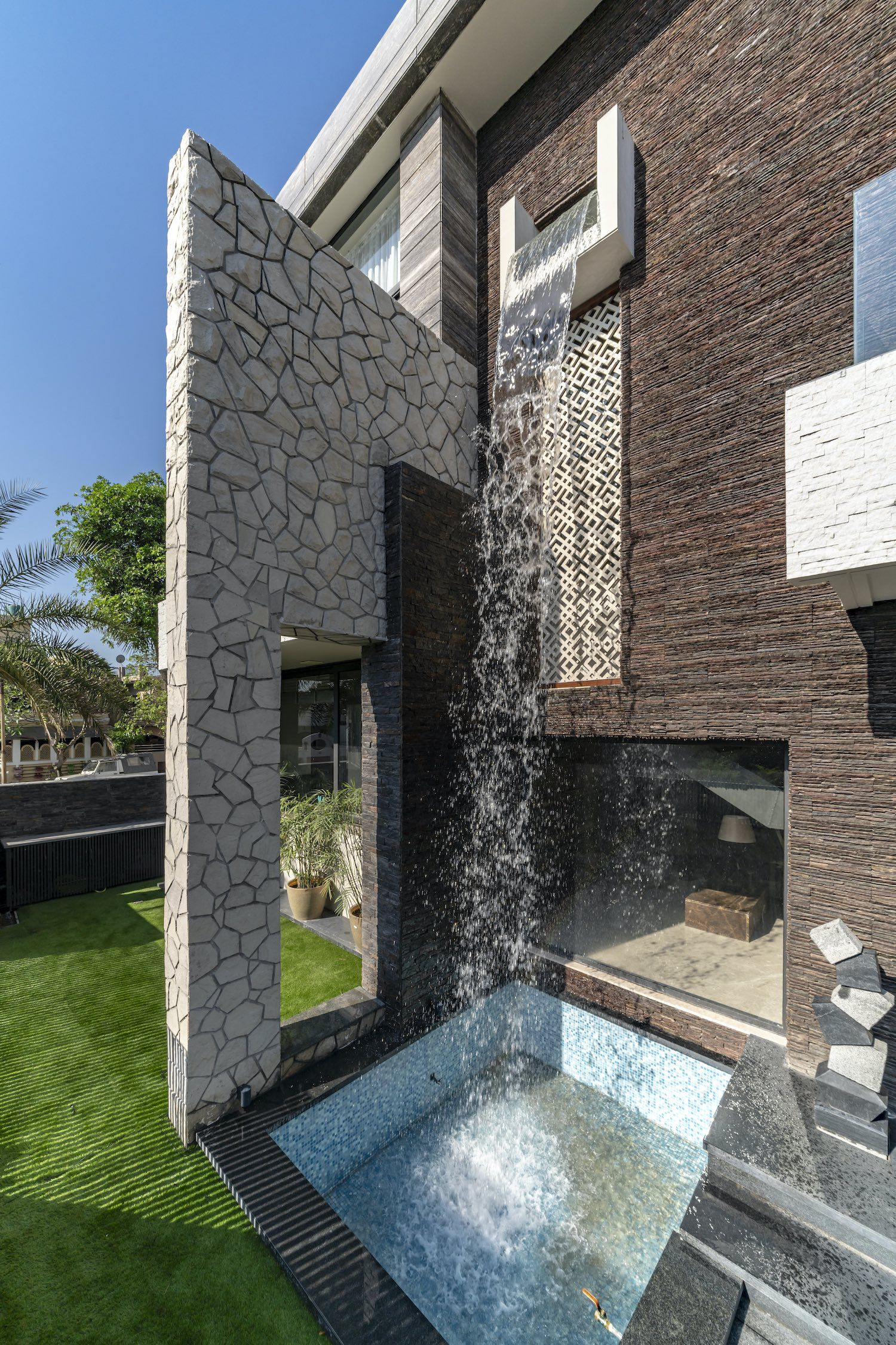 The Waterfall House In Jalandhar Punjab India By Space Race Architects In 2020 Waterfall House Bungalow Design Exterior House Color