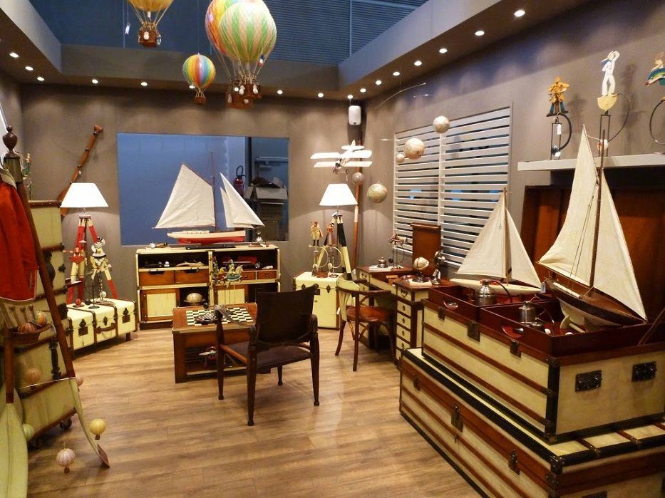 Authentic Models Historic Furniture