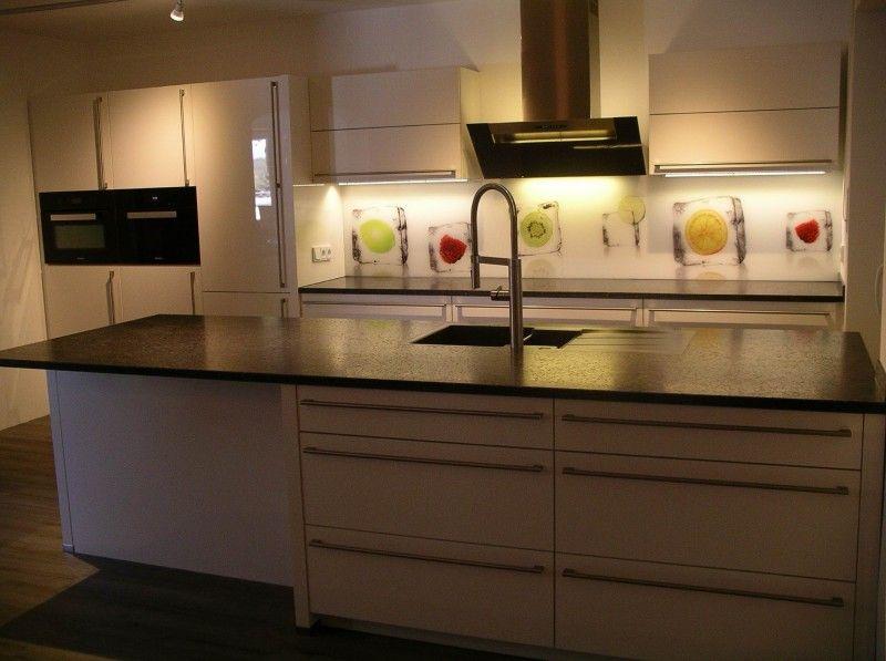 Küchentraum ist Wirklichkeit geworden - Fertiggestellte Küchen -
