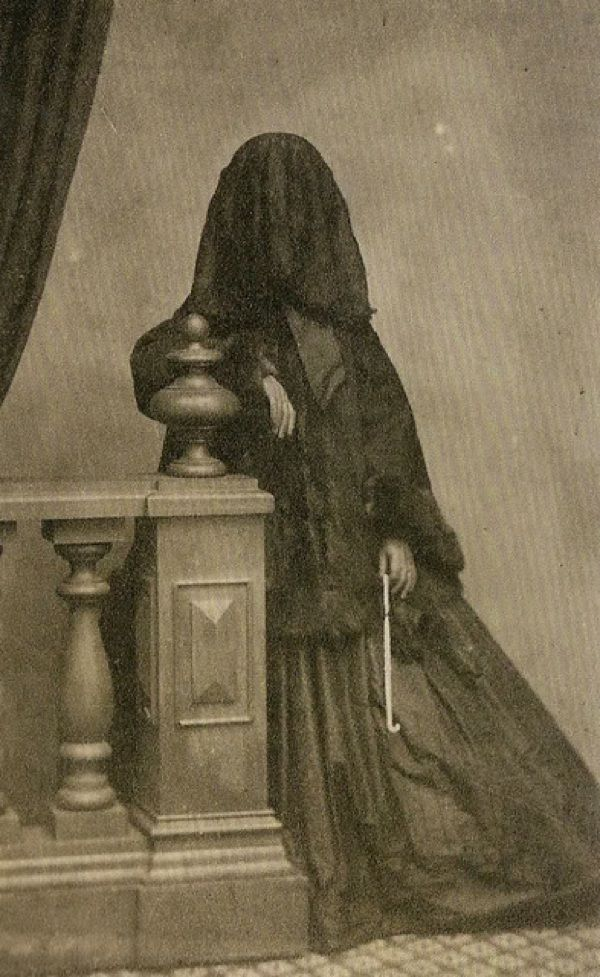 taking the lid off the victorian era essay Post mortem pictures photo post victorian era victorian  but in the victorian era it was widely popular taking photos with the recently deceased was a way to keep.