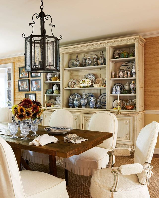 The Dining Room Play: The Play Of Textures And Hues In Slight Gradations Warms