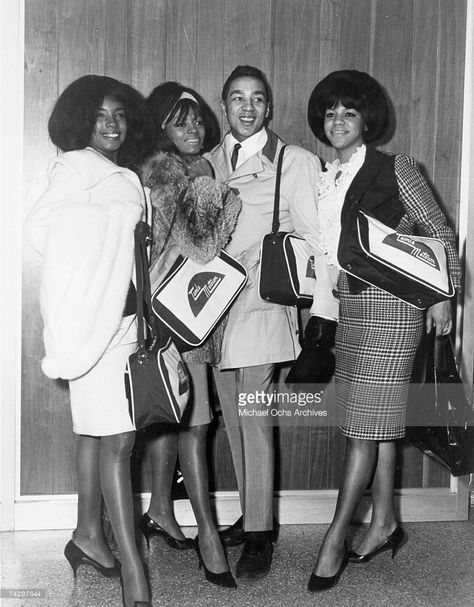 Singers Mary Wilson Diana Ross And Florence Ballard Of The Rb