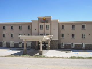 The Comfort Inn Suites Hotel In Hill City Sd Is Located Near 1880