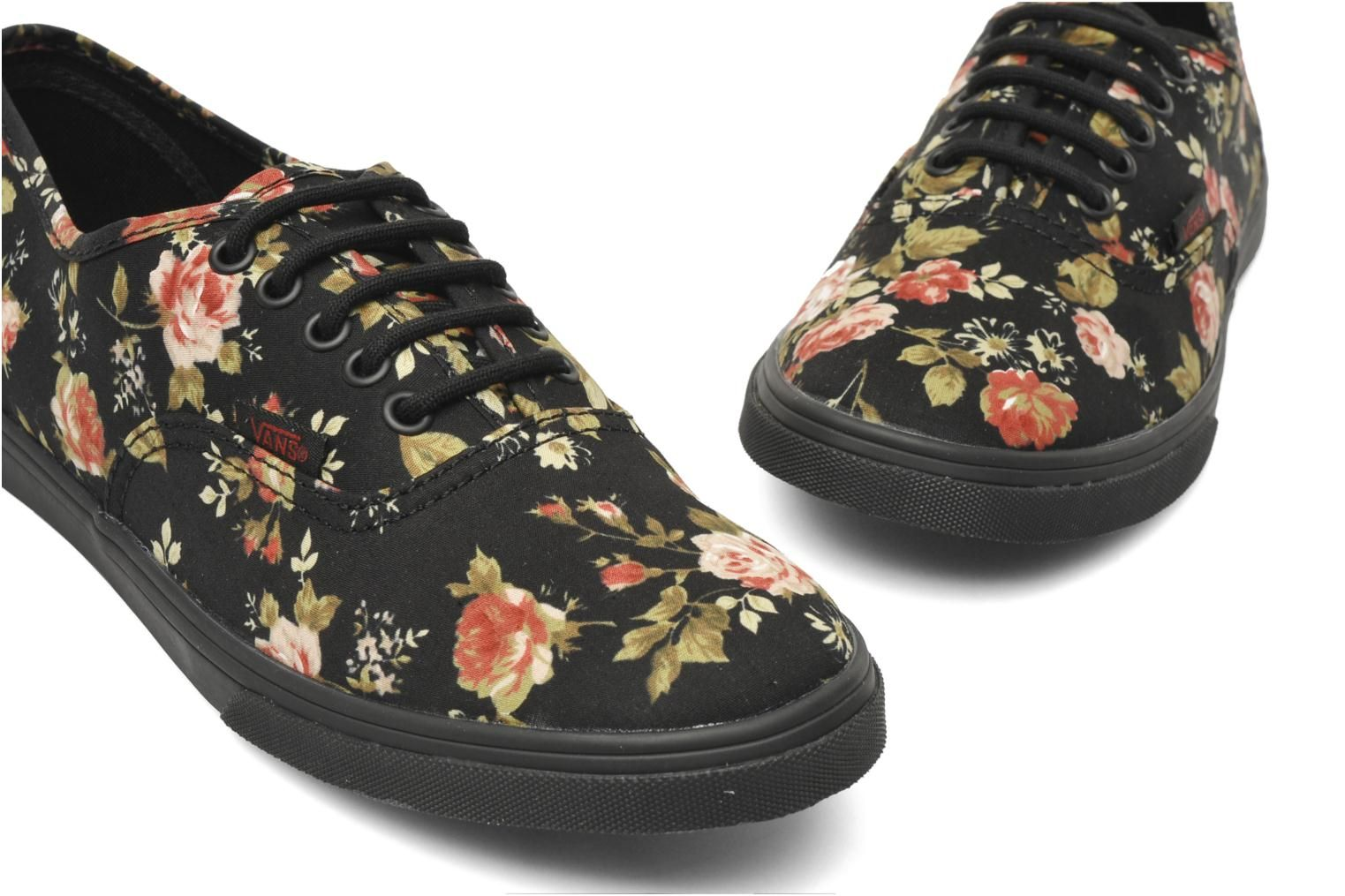 a1f0a072cf I have never wanted a pair of Vans so badly in my life.