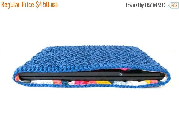 50 % BLACK FRIDAY SALE Crochet Pattern - Diy laptop case, laptop cover, laptop sleeve, easy crochet pattern, crochet tech gadget, birthday g