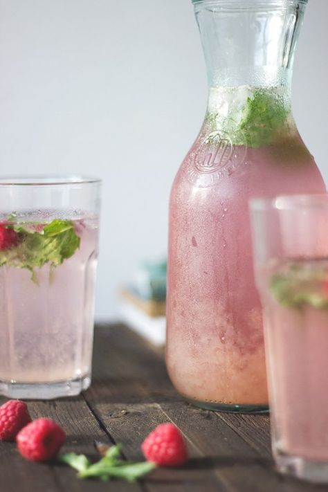 Photo of Self-made raspberry and rosemary lemonade – quick and easy