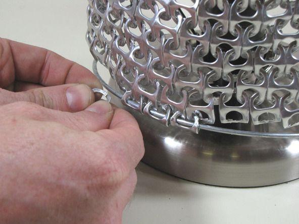 Pantalla para lámpara con anillas de latas