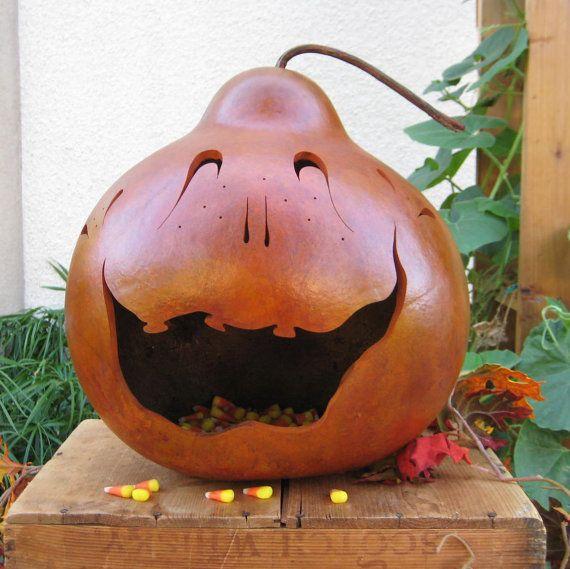 Natural Halloween Decorations: Gourd Joack-o-lantern So Cute !