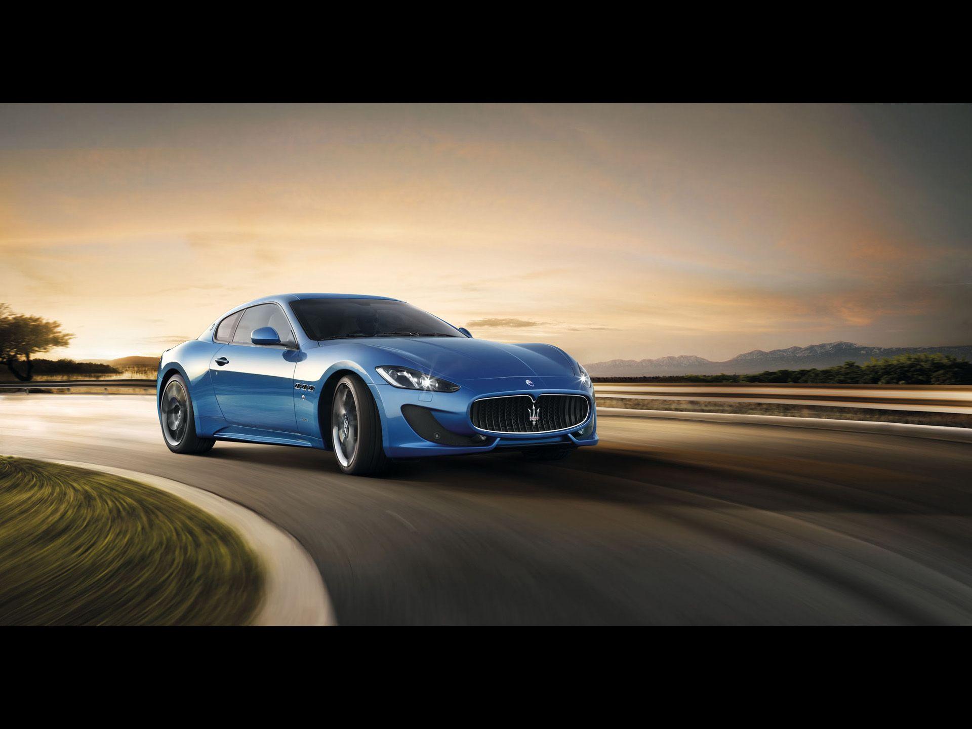 2012 Maserati GranTurismo Sport   Front Angle Speed