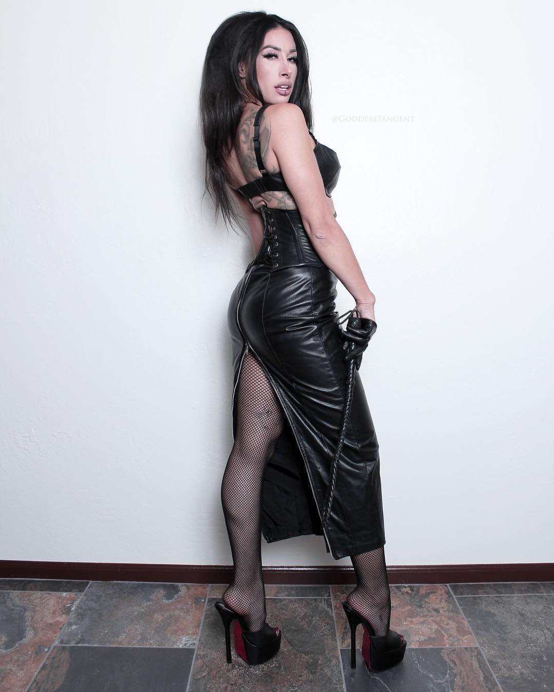 Lara Larsen | Alternative outfits, Insta fashion, Fashion