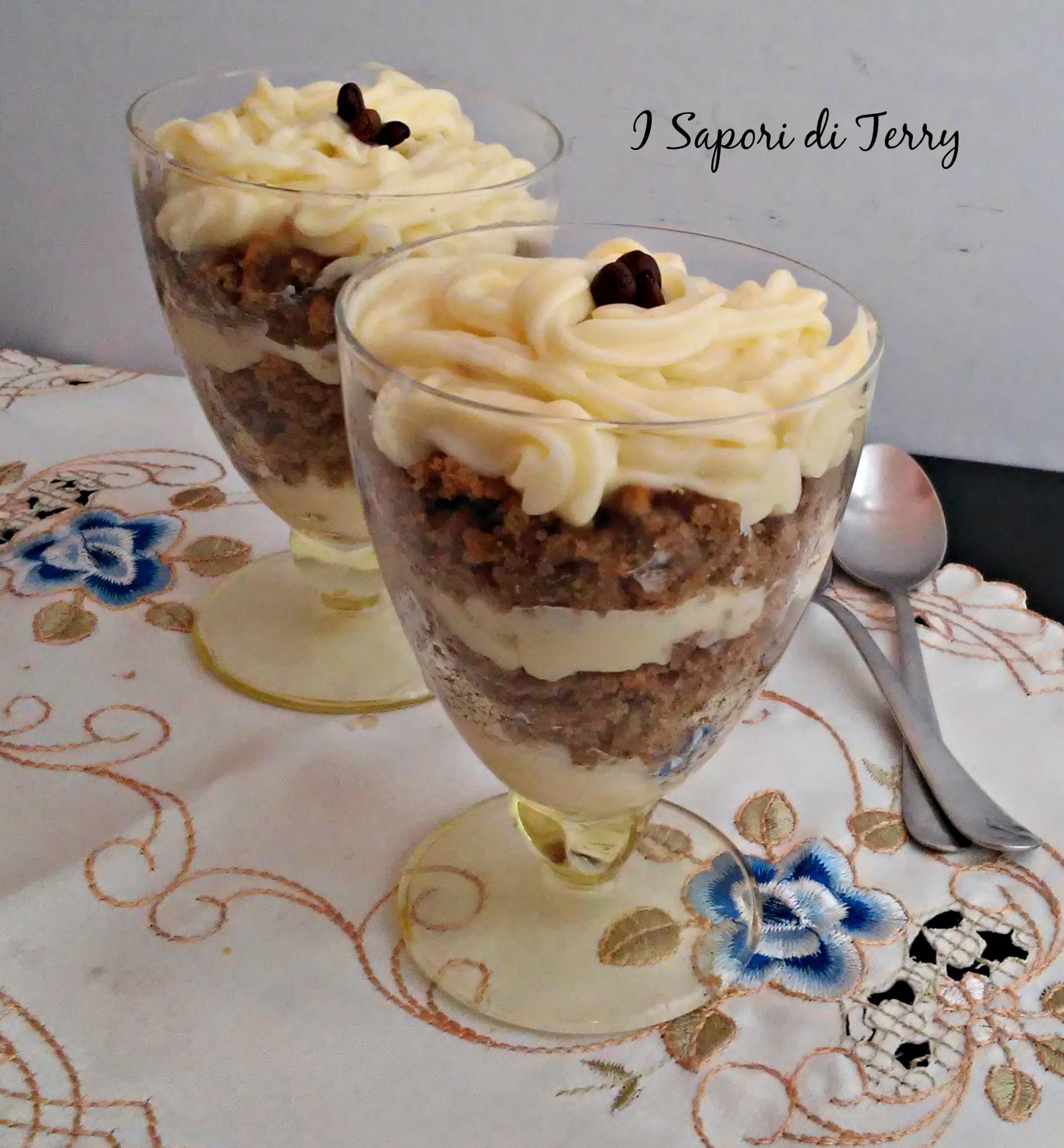 Dopo pranzo ci stà! http://blog.giallozafferano.it/isaporiditerry/sbriciolata-al-caffe-in-coppa-con-crema-pasticcera/