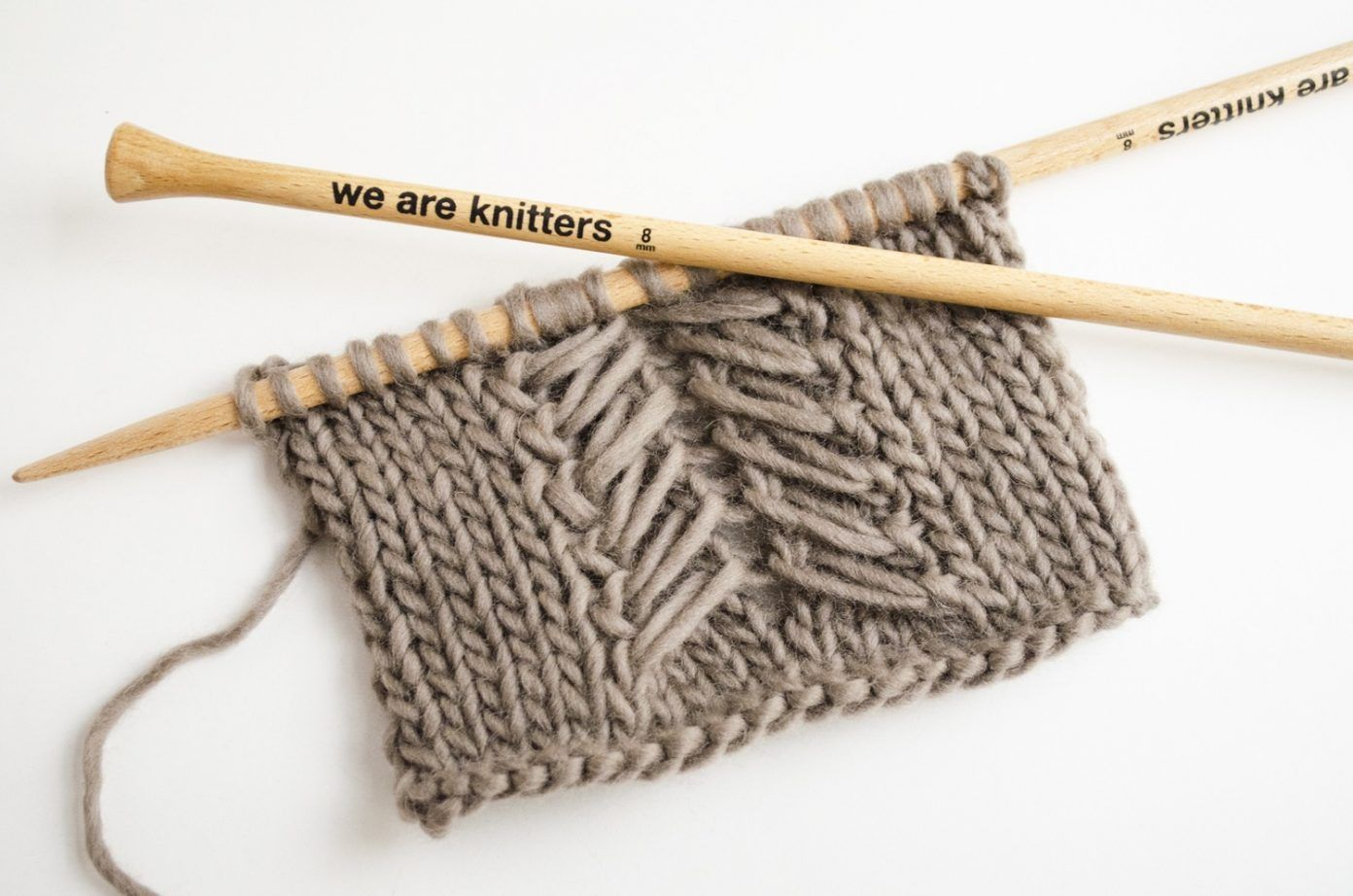 stricken-haekeln_we-are-knitters-caliper-zopfmuster | BABETTE 5 ...