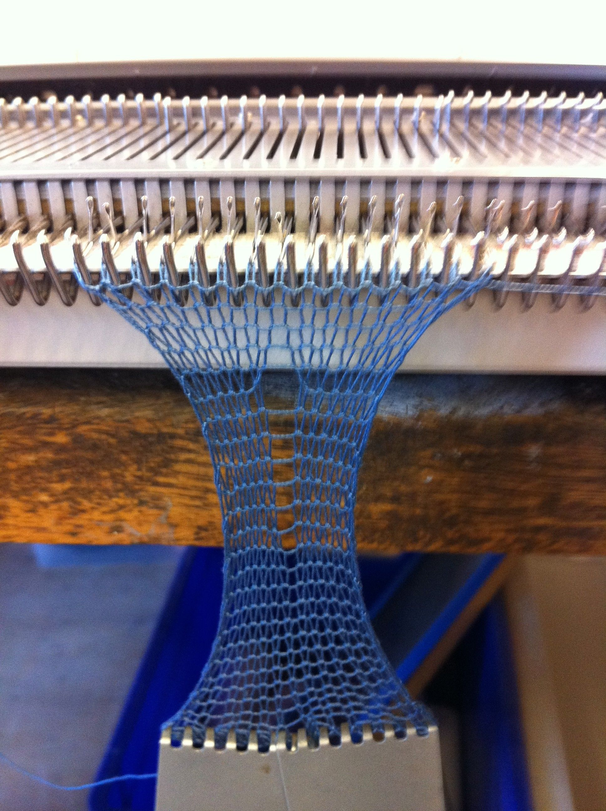 Machine Knitting with Wire   Textiles techniques and Yarns