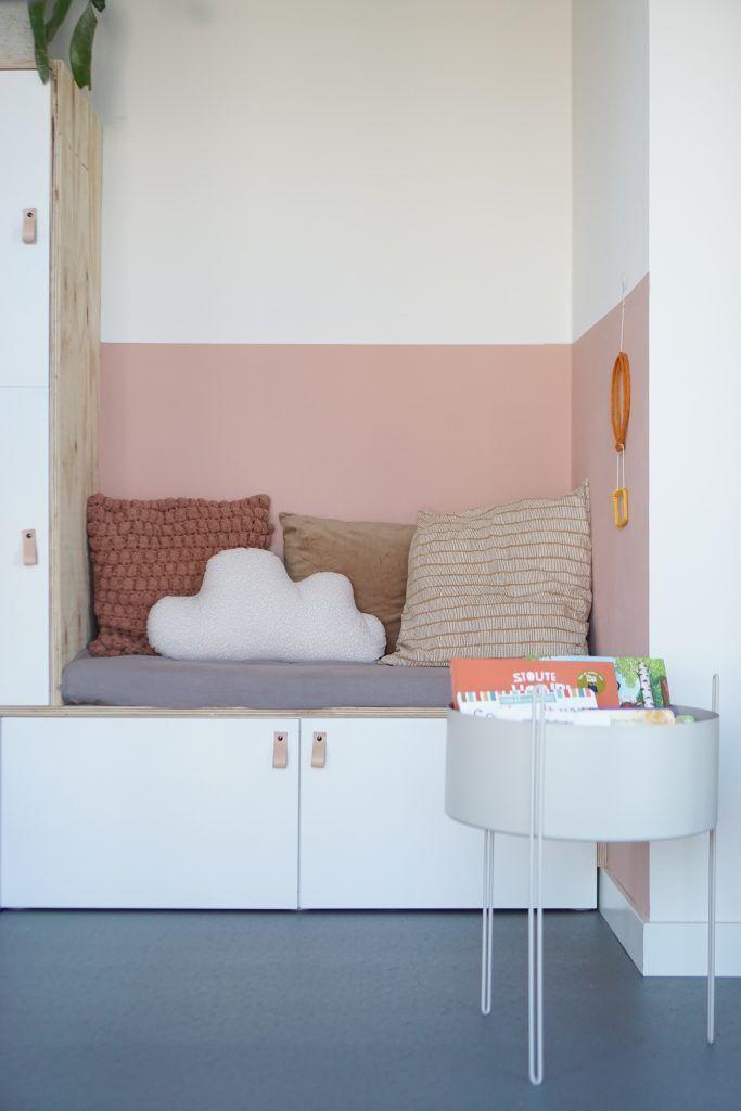 Ikea Besta Hackspiel und Sitzecke - dirksdotter bl ... - #Besta #bl #dirksdotter #En #Hack #ikeakinderzimmer