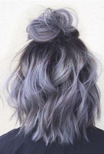 28 Beeindruckendes silbergraues Ombre für kurzes Haar, das Sie in den Mittelpunkt stellt