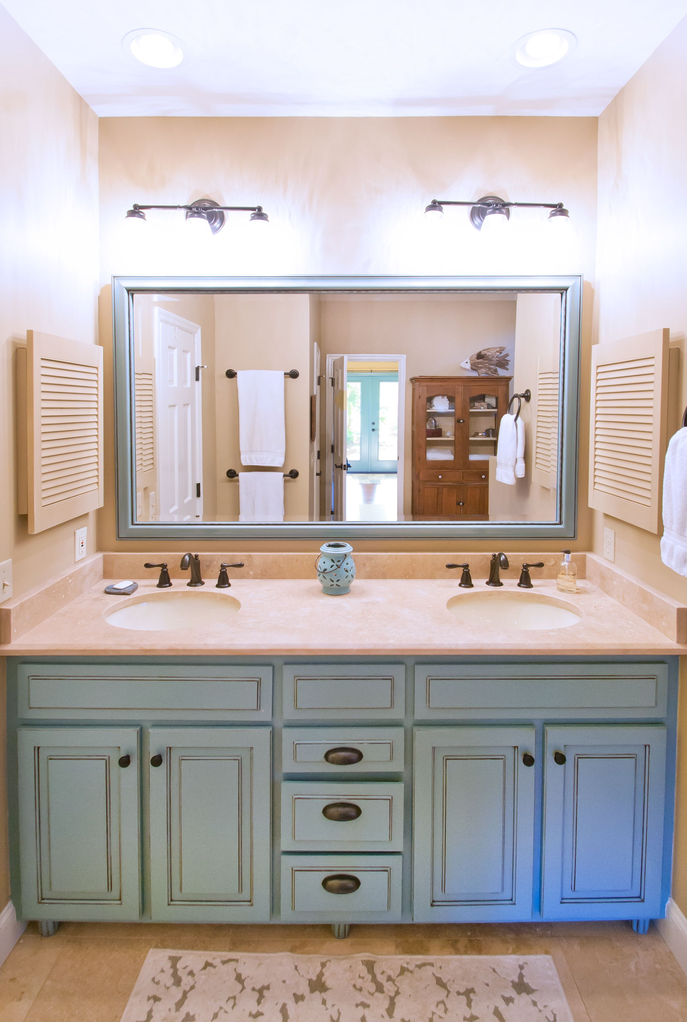 blue bathroom vanity robins egg persian green lowcountry homes pinterest bathroom. Black Bedroom Furniture Sets. Home Design Ideas