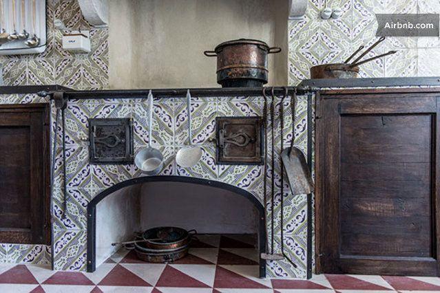 Pin by marina garibaldi on vecchie cucine vecchie case for Case antiche arredamento
