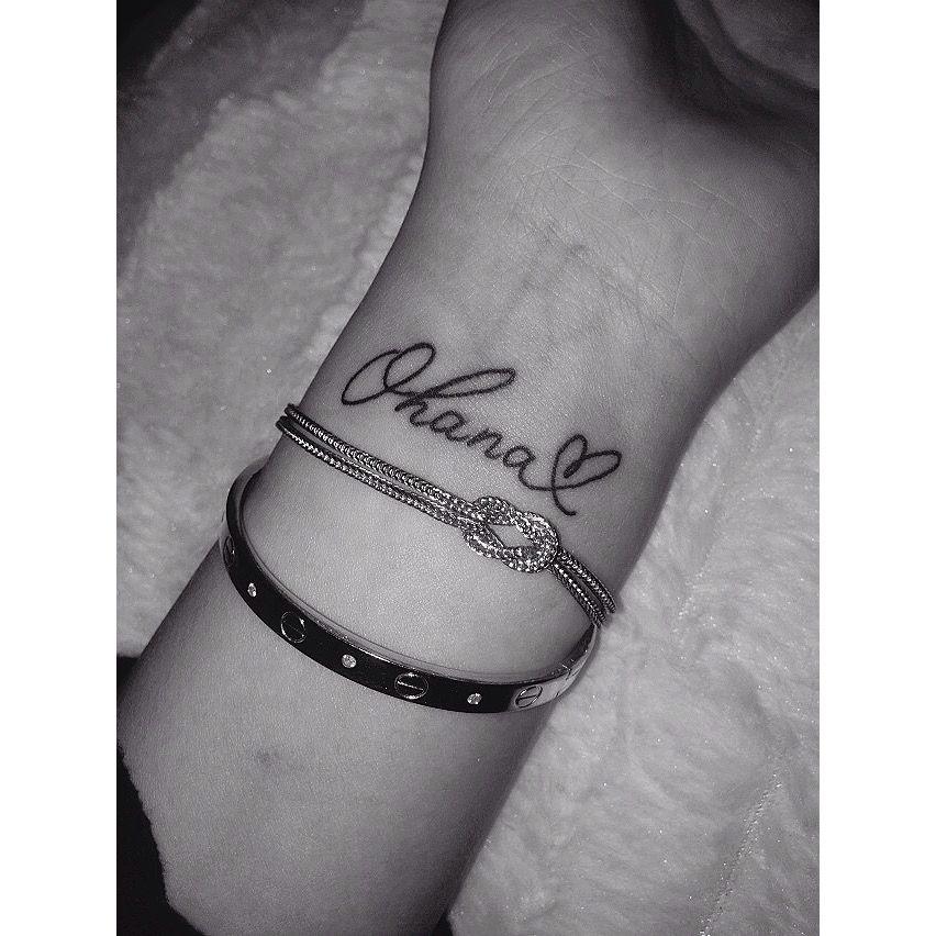 Ohana tattoo Tatouage Discret, Tatouage Poignet, Idées De Tatouages,  Tatouages soeur
