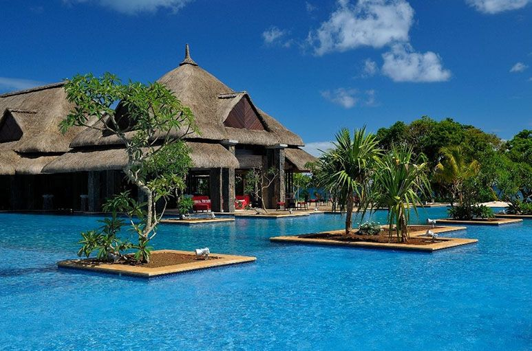 24 Amazing Pools You Need To Jump In Before Die The Grand Mauritian Resort Spa Mauritius