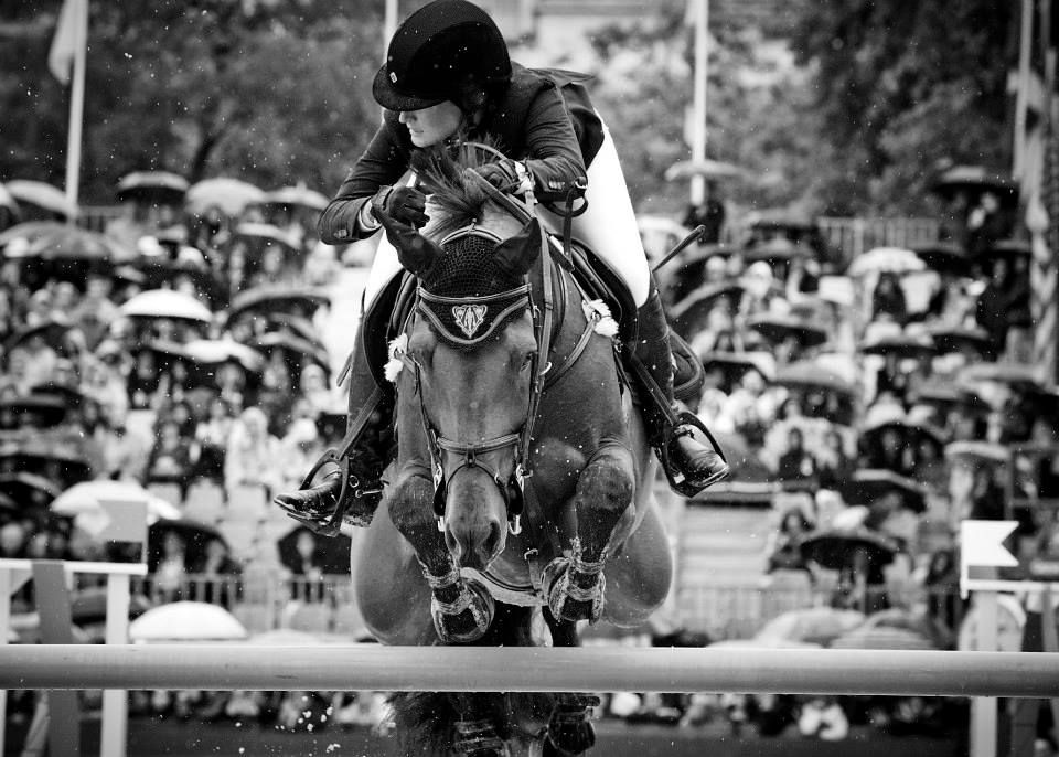 www.pegasebuzz.com | Paris Eiffel Jumping 2014 by Gucci : Jessica Springsteen