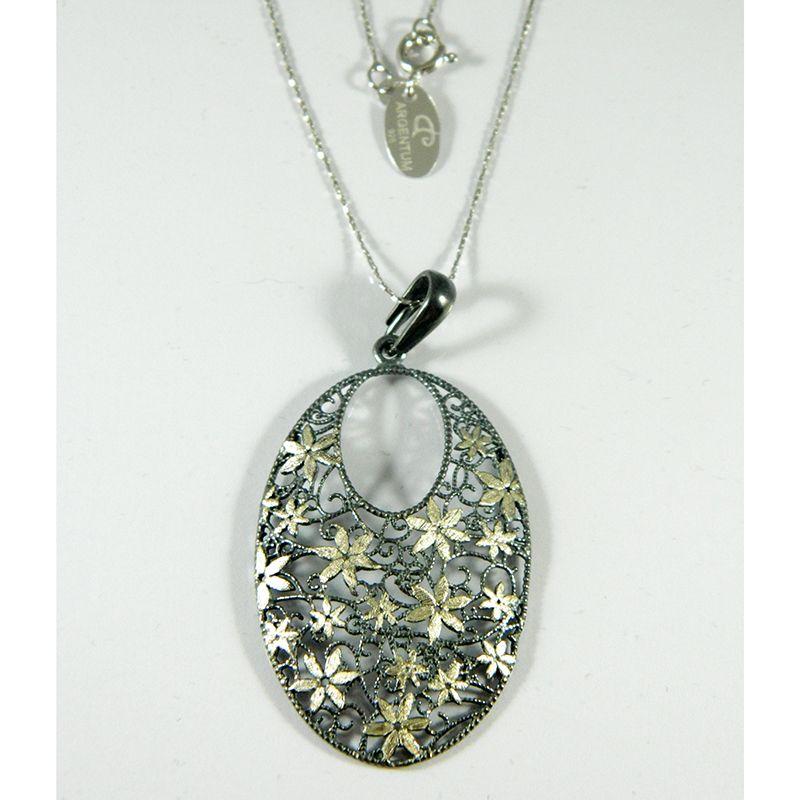 5026afd158d4  Colgante de plata ovalado calado con florecitas a modo de adorno (cadena  incluida).  uncapricho  notepuedefaltar