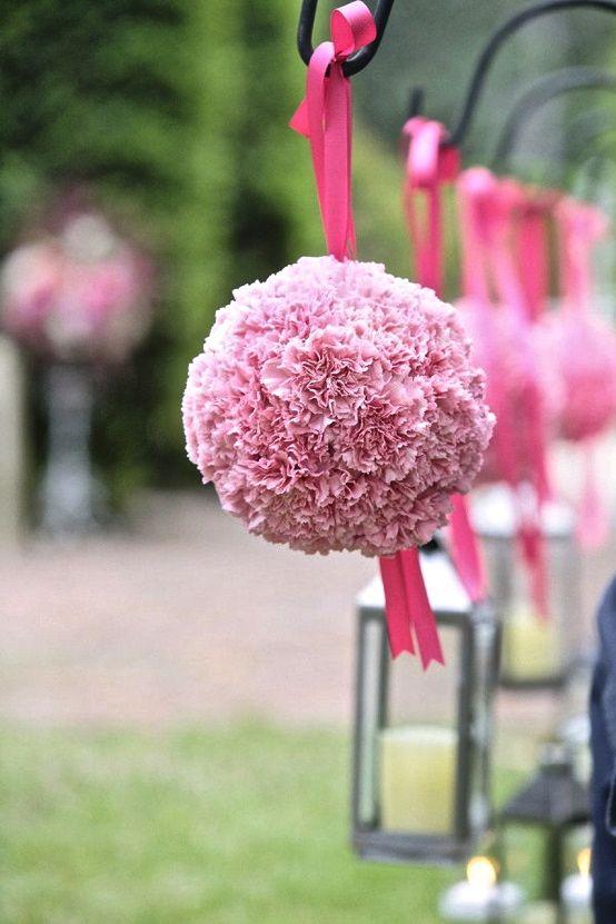 pompones para decorar fiestas de bautizo y comunin
