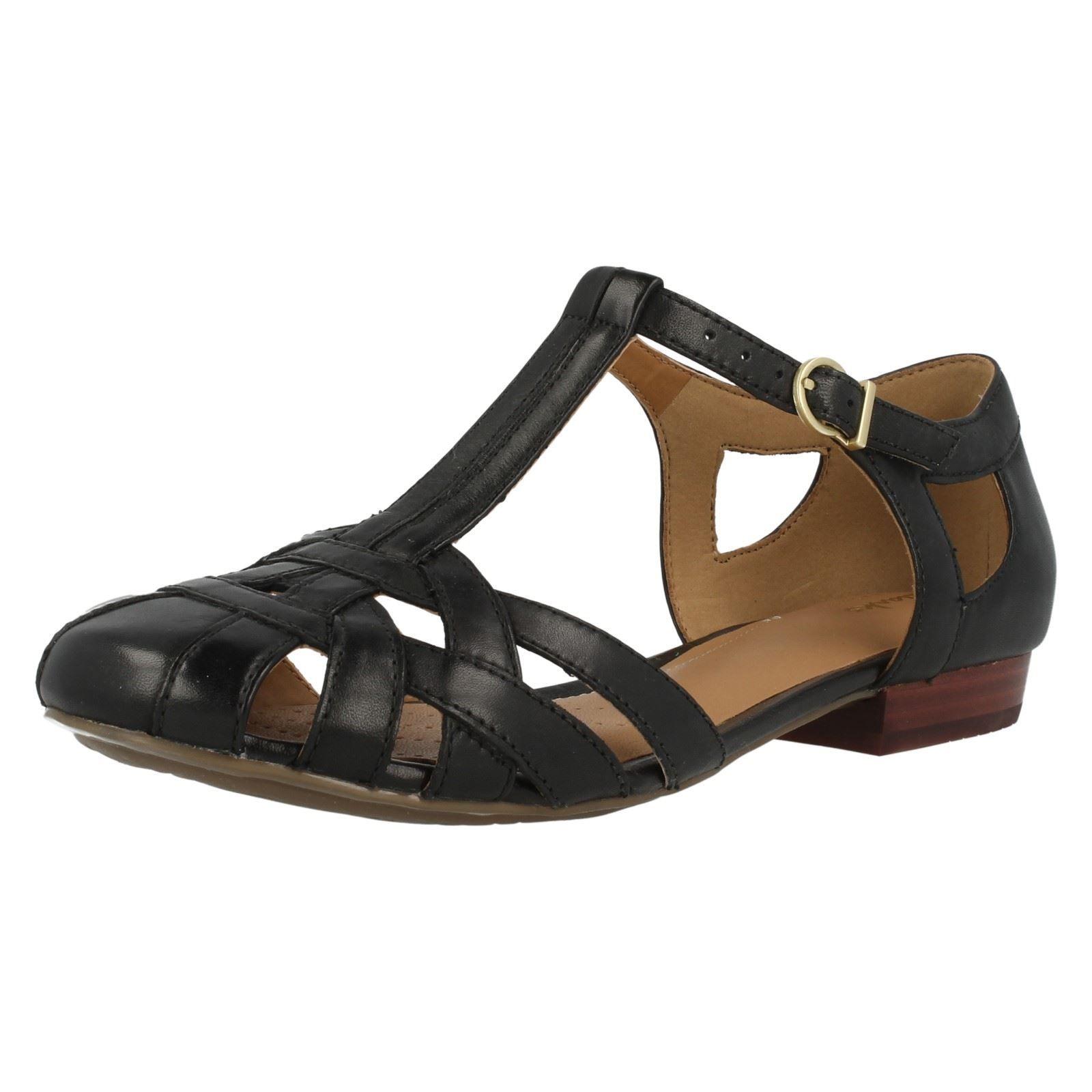 clarks ladies shoes size 2