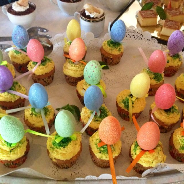 Cute easter cupcakes:)