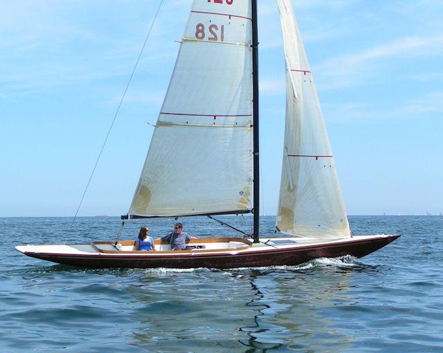 Hood 32 | Classic yachts, Boat, Small boats