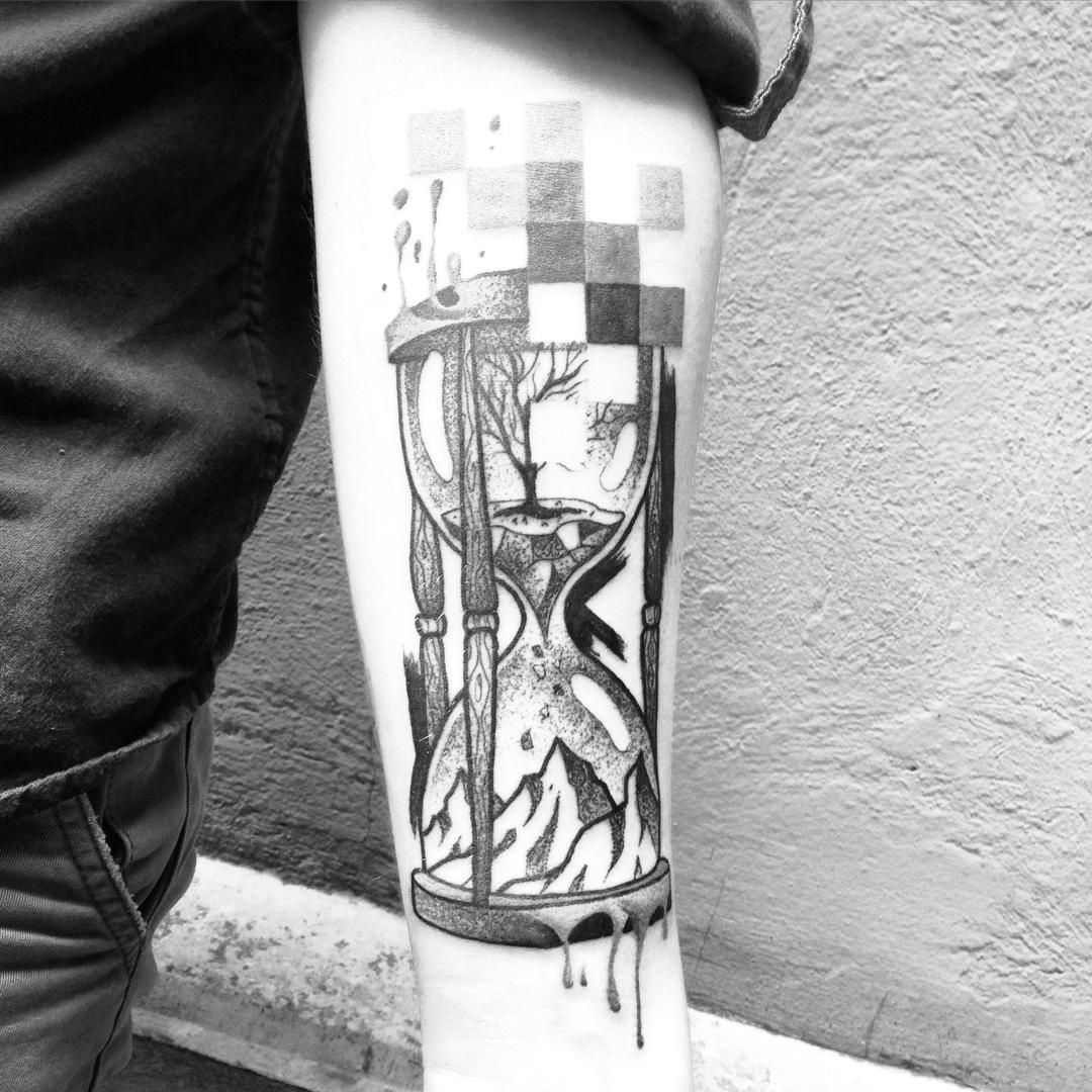 Pin By Guiditta Knallfrosch On Draw Hourglass Tattoo Tattoos Time Piece Tattoo