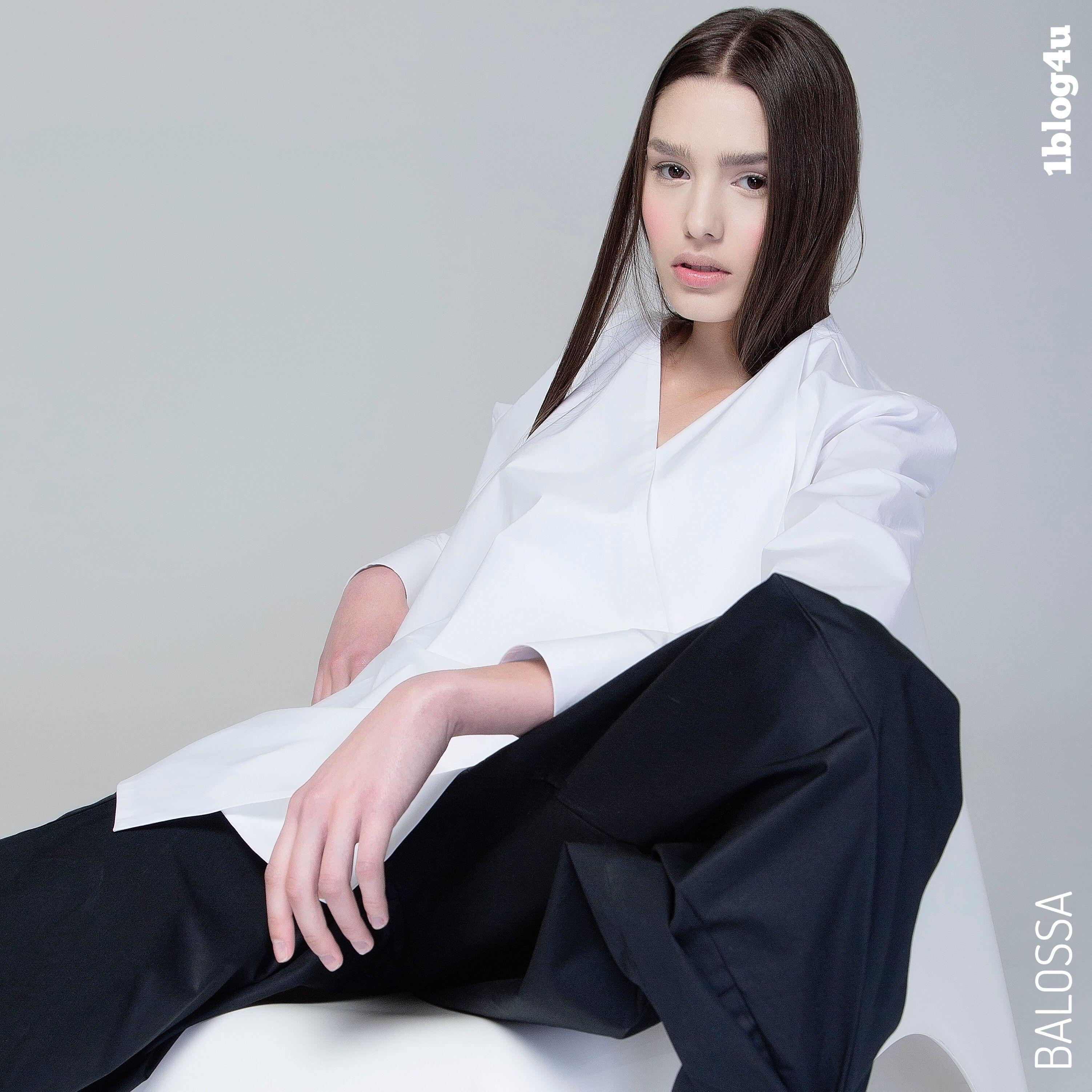 #balossa #white #shirt lovely Italian brand by #fashion #designer #Indra #Kaffemanaite - #collection for #SS2018 #camicia #shirt #springsummer18 #SS18 #MFW #NYFW - #Cristina #Vannuzzi for #1blog4u  - #Gabriella #Ruggieri #blogger #blogging #fashionblogger